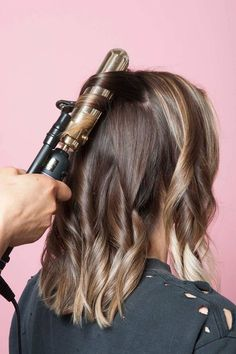 This Is The Secret To A Perfectly-Messy Long Bob - Couleur Cheveux 02 Medium Hair Styles, Short Hair Styles, Long Bob Styles, Longbob Hair, Popular Haircuts, Great Hair, Amazing Hair, Hair Day, Pretty Hairstyles