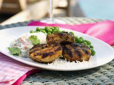Frikadellen aus Lammfleisch nach indischer Art mit Gemüsedip ist ein Rezept mit frischen Zutaten aus der Kategorie Lamm. Probieren Sie dieses und weitere Rezepte von EAT SMARTER!