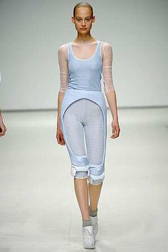 Fresh Futuristic Fashion - Louise Goldin's Sports Medicine-Inspired Spring 2009 Collection (GALLERY)
