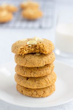 These almond flour & peanut butter protein cookies are my new addiction. Made with only 6 simple ingredients and one bowl, these quick and easy cookies can be whipped up and baked under 20 minutes. Naturally sweetened with coconut sugar, these contain 11 grams of protein per cookie and are entirely gluten-free, paleo, dairy-free, refined sugar-free, flourless, grain-free and can easily be made egg-free and vegan by simply replacing the eggs with flax eggs. Soooo tasty!   onecleverchef.com