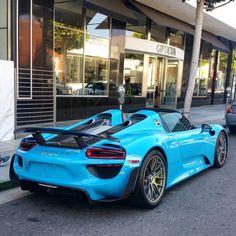 Porsche 918 Spider painted in paint to sample Riviera  Blue  Photo taken by: @effspot on Instagram
