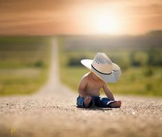 Cute baby boy pictures ideas 17 Ideas for 2020 Baby Boy Pictures, Newborn Pictures, 6 Month Baby Picture Ideas Boy, Western Baby Pictures, Farm Family Pictures, Cowboy Pictures, Baby Boy Photography, Children Photography, City Photography