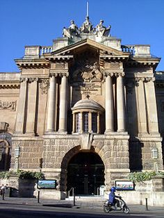 Bristol City Museum, Bristol, UK  #WOWmuseumsandgalleries