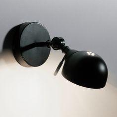 L'applique articulée de style industriel, Kikan. Design etstyle garantis !Description de l'applique Kikan :Bras articulé, tête orientable.Douille E14 pour ampoule 40W max, (non fournie).Ce luminaire est compatible avec des ampoules des classes énergétiques : ABCDE.Caractéristiques de l'applique Kikan :Bras en métal recouvert peinture époxy.Abat-jour en métal recouvert peinture époxy.Retrouvez d'autres modèles de la collection Kikan sur laredoute.frDimensions de l'applique Kik...