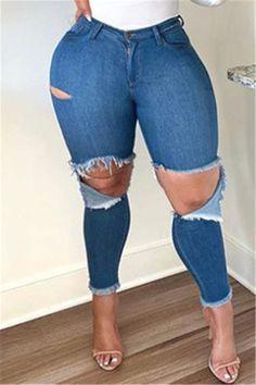Thick Girl Fashion, Blue Fashion, Denim Fashion, Style Fashion, Blue Jeans, Blue Denim, Fit Women Bodies, Pinstripe Suit, Trousers