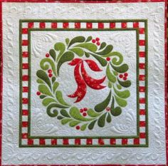 Feather Fancy Christmas Wreath Applique wall hanging quilt pattern - I have GOTTA make this;I have fallen in love with it because of the quilting!!
