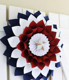 10 Easy of July Crafts to Make For The Independence Day 2018 - want to make - DIY Patriotic Wreath. Easy of July Crafts to Make in Fourth of July is the perfect time t - Fourth Of July Decor, 4th Of July Decorations, 4th Of July Party, July 4th, 4th Of July Wreaths, Memorial Day Decorations, 4th Of July Celebration, Birthday Decorations, Patriotic Wreath