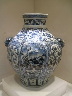 EXTREMELY RARE YUAN DYNASTY 14th CENTURY LARGE JAR WITH A PAIR LION MASK EAR. PRIVATE COLLECTIONS.