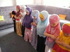 Salaat - daily Islamic prayers - little learners, so cute!
