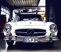 Mercedes Benz 300Sl #mercedes #mercedesbenz #mercedes300sl #mercedesbenz300sl #classic #classiccar #vintage #vintagecar #tbt #thursday #car #cars #luxury #luxurylife #luxurycars #lifestyle #dreams #goals #work #entrepreneur #follow #followme #prestigeautotech