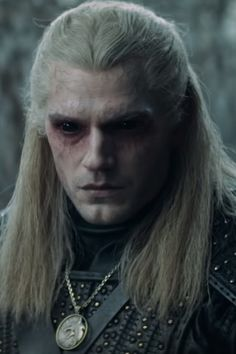 Henry Cavill Takes on Monsters, Sorcerers, and One Hell of a Wig in The Witcher's Final Trailer - What Is Netflix's The Witcher TV Series About? The Witcher Film, The Witcher Series, The Witcher Geralt, The Witcher Books, Witcher Art, Henry Cavill, The Witcher Wallpapers, Netflix Series, Tv Series