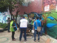 Jornada interinstitucional para intervenir punto crítico de residuos en la calle 4 sur con carrera 10 bis, localidad Antonio Nariño. Participan: Hospital Rafael Uribe Uribe, Secretaria de ambiente, Junta Administradora Local, Idipron, vigias ambientales y Aguas de Bogotá.