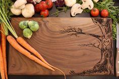 Personalized Cutting Board Newlyweds Christmas por braggingbags