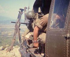 Huey Door Gunner に対する画像結果 Vietnam History, Vietnam War Photos, Good Morning Vietnam, American Exceptionalism, My War, My Marine, American War, Vietnam Veterans, Military History