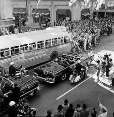 «Kennedy Motorcade, November 22, 1963» | Rememorando el trágico acontecimiento de hace 50 años. [22, noviembre, 2013].