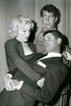 Marilyn with Martin & Lewis Hollywood Fashion, Hollywood Stars, Old Hollywood, Golden Age Of Hollywood, Hollywood Actresses, Classic Hollywood, Actors & Actresses, Jerry Lewis, Carole Lombard