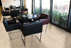 Pin By Rafaela Mayrhofer On Casa Nova In 2020 Oak Hardwood Floors Living Room White Oak Hardwood Floors House Flooring