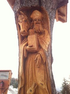 Amazing carving from one tree trunk in Austria What A Beautiful World, One Tree, Austria, Carving, Amazing, Projects, Wood Carvings, Sculptures, Printmaking