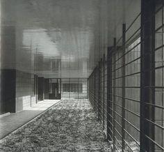 Dom Wedla - otwarty podcień. ul. Puławska 28/ ul. Madalińskiego proj. Juliusz Żórawski bud. 1935- 36