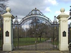 Inverforth Gate, Grovelands Park, Southgate, London Southgate London, House Arrest, Private Hospitals, English Heritage, Iron Work, Garden Gates, Buckingham Palace, Taj Mahal, Mansions