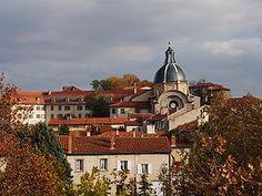 Une vue du dôme du palais de justice de Montbrison.
