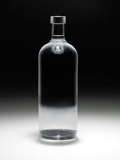 ABSOLUTLY Naked 2009    In An ABSOLUT World, There Are No Labels, a bold and innovative project where the brand is challenging labels and prejudice about sexual identities.