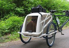 multi-purpose bicycle trailer for pets and gear for long cycling rides. Dog Bike Trailer, Bike Trailers, Rando Velo, Bike Cart, Velo Cargo, Biking With Dog, Dog Stroller, Hiking Dogs, Pet Dogs