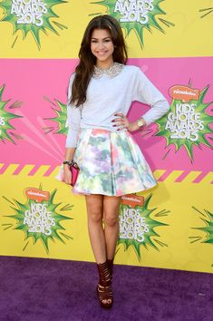 Zendaya Coleman in A and O + Ruthie Davis at the Kids Choice Awards! Mode Zendaya, Zendaya Outfits, Zendaya Style, Jamie Lynn Spears, Melissa Mccarthy, Victoria Justice, Theo James, Carrie Underwood, Fifth Harmony