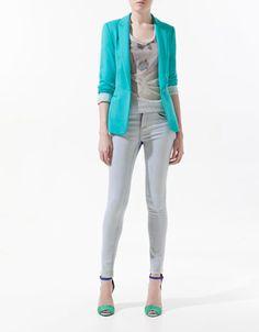 ¿De qué color te atreves a llevar un blazer? Blazer turquesa de Zara..  http://www.deli-cious.es/index.php/chaquetas/760-blazer-americana-topshop-amarillo