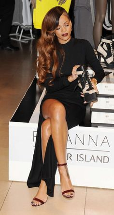 Rihanna: 'Diamonds' World Tour Rehearsal - Watch Now!: Photo Rihanna shows off her long legs in a slit dress while attending the Rihanna for River Island Collection Launch at the Oxford Street River Island store on Monday… Estilo Rihanna, Moda Rihanna, Rihanna Mode, Rihanna Style, Rihanna Fenty, Rihanna Fashion, Rihanna Black Dress, Rihanna Hair Color, Rihanna Legs