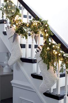 Dreaming of this gorgeous white christmas staircase🎄 Christmas Fairy Lights, Noel Christmas, Winter Christmas, Christmas Stockings, Christmas Wreaths, Christmas 2017, Rustic Christmas, Christmas Staircase Garland, Elegant Christmas