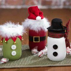 Décorations de Noël à faire soi-même, costumes de Père Noël et ses adjoints