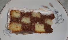 Esta receita faz parte da minha vida desde que eu era bem pequena.   Uma tia avó muito querida, fazia bolos deliciosos por e...