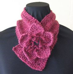 mini scarf with removable flower. FREE pattern. great for black angora