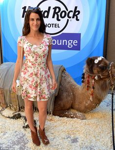Floral fun: 90210 star Jessica Lowndes