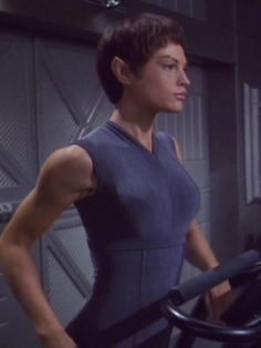 """Redskirts and Green Ladies — ENT: """"A Night in Sickbay"""": T'Pol is dressed for. Star Trek Starships, Star Trek Enterprise, Jolene Blalock, Star Trek 1, Star Trek Images, Star Trek Characters, Gamine Style, Star Trek Universe, Celebs"""