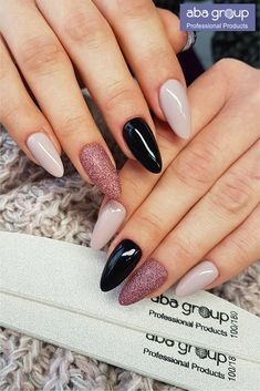 56 Trending Deep Winter Nail Colors And Designs For 2019 The Deep Winter Nail Art Designs are so perfect for Hope they can inspire you and read the article to get the gallery. Dream Nails, Love Nails, Pink Nails, Pretty Nails, Matte Nails, Gorgeous Nails, Nagellack Design, Nagellack Trends, Best Acrylic Nails