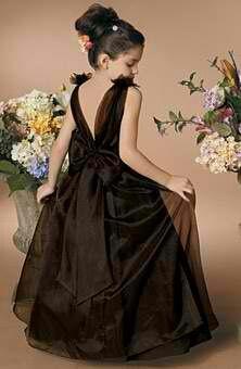 Perfect flower girl dresses for a black themed wedding www.finditforweddings.com