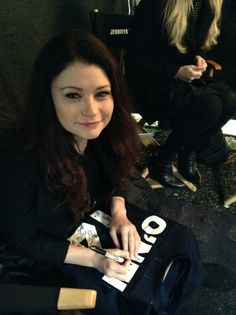 """The """"Traveling Jersey"""" visits the Once Upon A Time Set  Emilie de Ravin"""