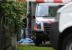 5-Apr-2014 19:28 - TWEEDE DOCHTER VAN GEZIN LAREN WAS NIET THUIS. De tweede dochter van het gezin dat dood werd aangetroffen in Laren was niet thuis. Ze is door agenten op de hoogte gesteld van het trieste nieuws. www.tisniewaar.nl