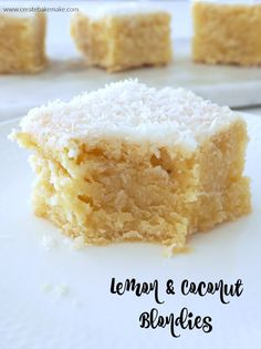 Along with tasting ah-mazing this Lemon and Coconut Blondie recipe can be made using just one saucepan (or a Thermomix bowl!) making it super speedy to make Lemon Dessert Recipes, Lemon Recipes, Easy Desserts, Baking Recipes, Sweet Recipes, Delicious Desserts, Thermomix Desserts, Bar Recipes, Lemon Coconut Slice