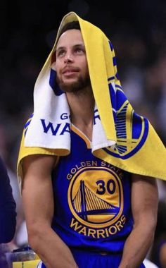 Stephen Curry Family, Nba Stephen Curry, Nba Players, Basketball Players, Basketball Court, Basketball Memes, Basketball Wall, Basketball Legends, Stephen Curry Wallpaper