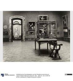 Aufstellung der Gemäldegalerie und der Skulpturensammlung im Kaiser-Friedrich-Museum, Raum 51, Italienische Gemälde und Bildwerke des 17. und 18. Jhd.