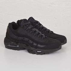 NIKE Women's Shoes - Nike Air Max 95 Tripe Black - Find deals and best selling products for Nike Shoes for Women Air Max Sneakers, Sneakers Mode, Best Sneakers, Sneakers Fashion, Fashion Shoes, Fashion Models, Ladies Sneakers, Cheap Sneakers, Nike Sneakers