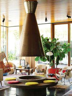 Heerlijk kleurrijk interieur met een behoorlijke zweem vintage design. #inspiratie #design #kleur