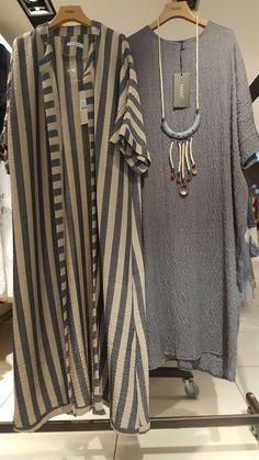 Фотография Abaya Fashion, Muslim Fashion, Modest Fashion, Girl Fashion, Fashion Dresses, Stylish Dresses, Trendy Outfits, New Yorker Mode, The Cardigans