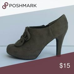Madden Girl Rhiana Heels Classy and elegant gray heels. In excellent condition. I don't think I wore them out of the house. Please let me know if you have any questions! Madden Girl Shoes Heels