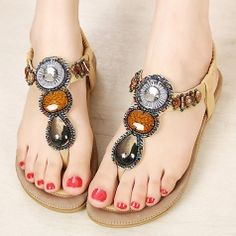 acd326111f6f Jewels Toe-Knob Bohemian Beach Sandals For Girls Comfortable Flats Shoes  Beaded Sandals