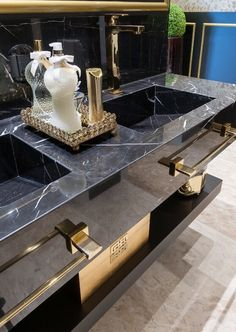 Luxury bathroom: 56 tips and inspirations for setting up your bathroom! Modern Luxury Bathroom, Bathroom Design Luxury, Luxury Bathrooms, Large Bathrooms, Bad Inspiration, Bathroom Inspiration, Bathroom Ideas, Budget Bathroom, Modern Bathrooms