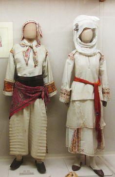 Παραδοσιακές γιορτινές φορεσιές απο το Πυργί της Χίου/ Τraditional costumes from Chios island,Greece